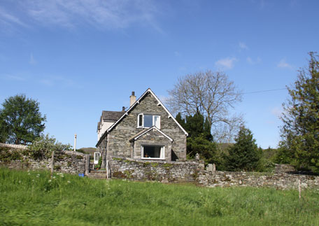 Lake district cottage sleeps 2 holiday cottages for couples in the lake district for Lake district cottages with swimming pool